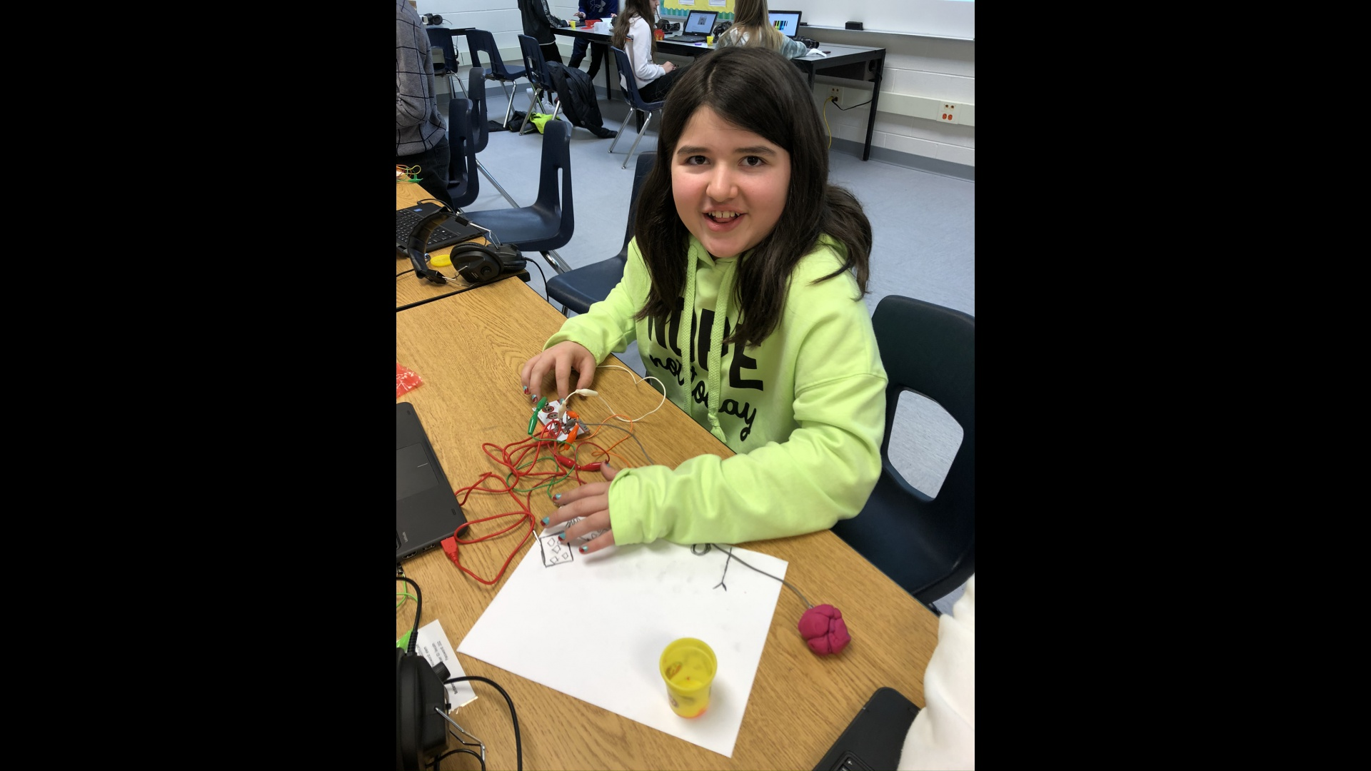slidshow image - Makey Makey STEM Activity -